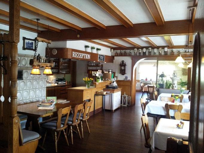 Gastraum im Löwen Holzhausen