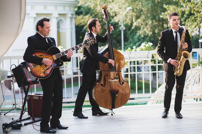 Джаз Кавер Трио PLAYTIME джазовая кавер группа инструментальная артисты на свадьбу джазовые музыканты исполнители  саксофонист живая музыка