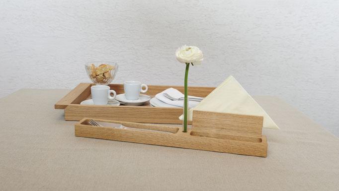 Holztablett mit Besteckeinsatz