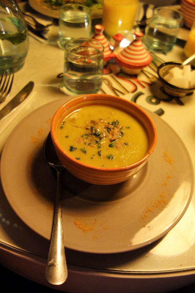 Einen vegetarische Suppe