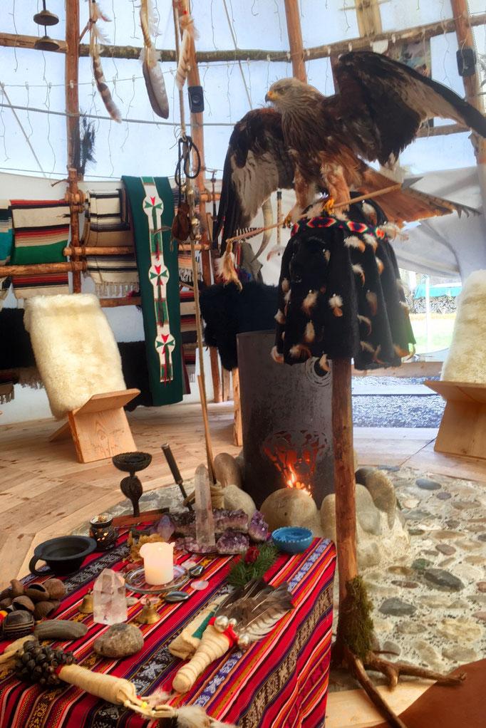 Altar mit Krafttier