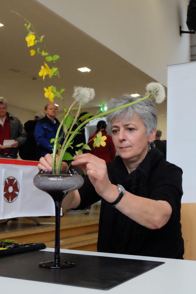 Ikebana - Kunst des Blumensteckens