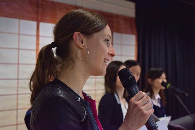 Miriam Ferstl als Moderatorin, die uns sicher und informativ durch den Tag getragen hat.