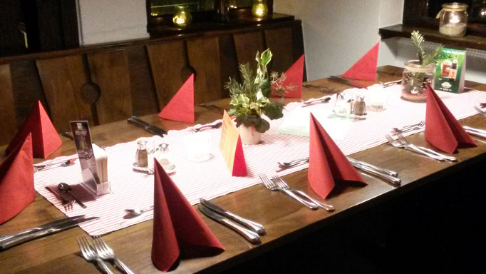 Die Tische sind bereit,...