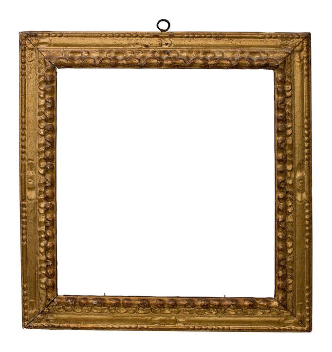 7746  Blattrahmen 17.Jh., Pinienholz geschnitzt und vergoldet, 53,4 x 49,8 x 8,8 cm