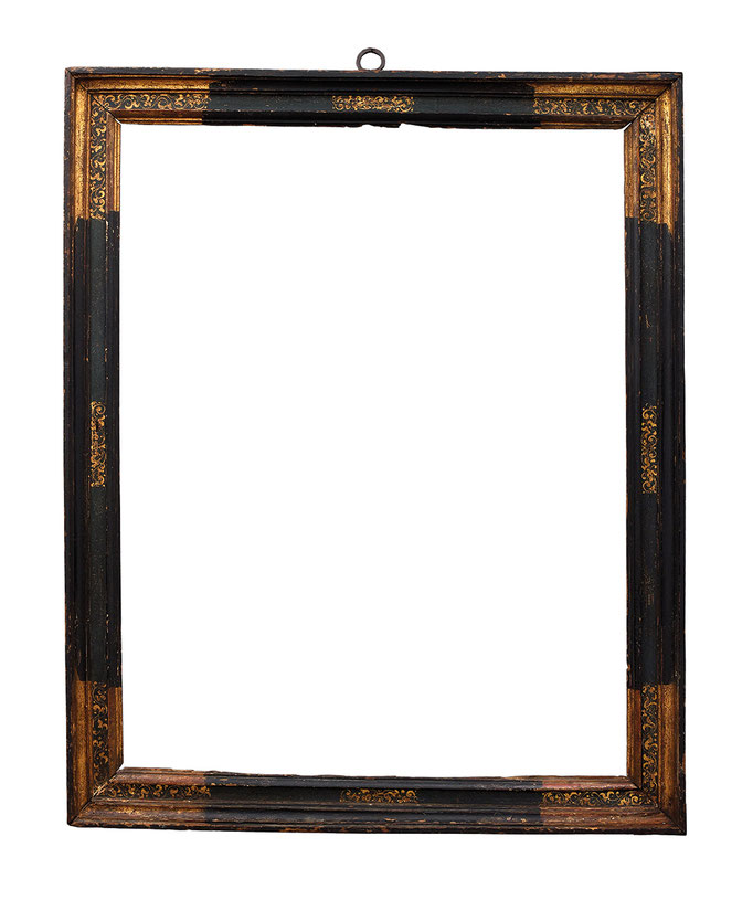 0944  Kassettenrahmen 16./17.Jh. , Pinienholz sgraffito, geschwärzt und vergoldet, 98,5 x 78,5 x 8,5 cm