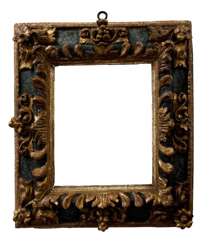8397  Kassettenrahmen, 17.Jh., Linde geschnitzt und vergoldetet, blau marmoriert, 28 x 23,5 x 10,5 cm