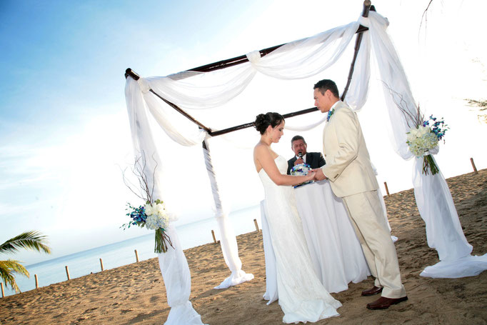 Bride and groom at Puerto Rico beach wedding