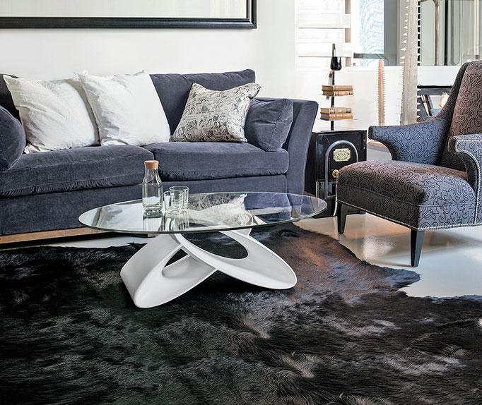 Tavolino da salotto (articolo EL4) - Base in poliuretano laccato, piano in vetro temperato, misura cm.110x65, altezza cm.38