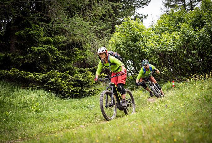 e-Mountainbike Fahtechnikkurse mit HappyTrails und MTB Xpert