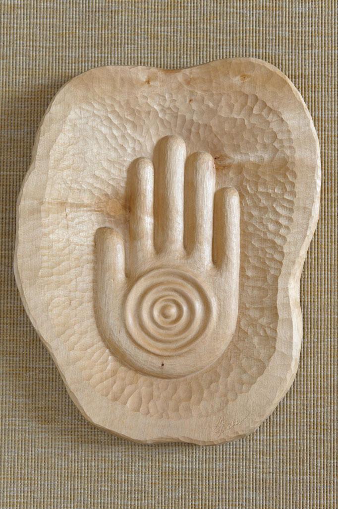 La Mano, Ahorn gewachst, 42 cm, Firmenlogo als Holzrelief, VERKAUFT