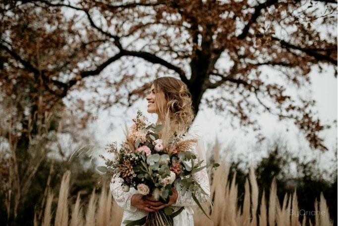 bouquet de mariée , arche en pampa
