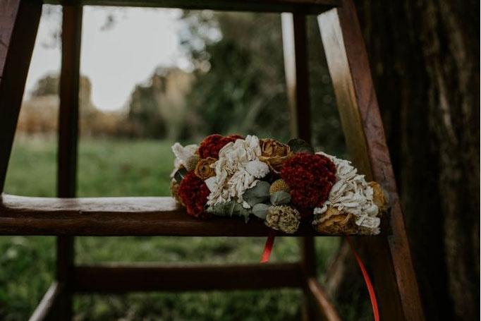 couronne en fleurs fraiche et séchées