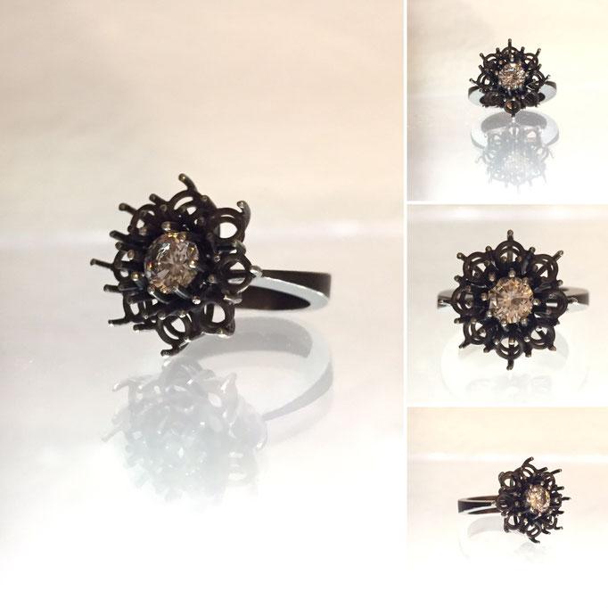Damenring Silber 925 geschwärzt mit einem Kubik Zirkonia
