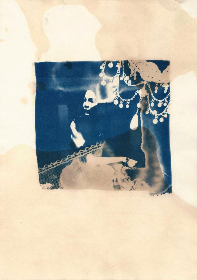 Goldschmiedin, Cyanotypie eingefärbt mit Schwarztee, 2015, Damaris Rohner