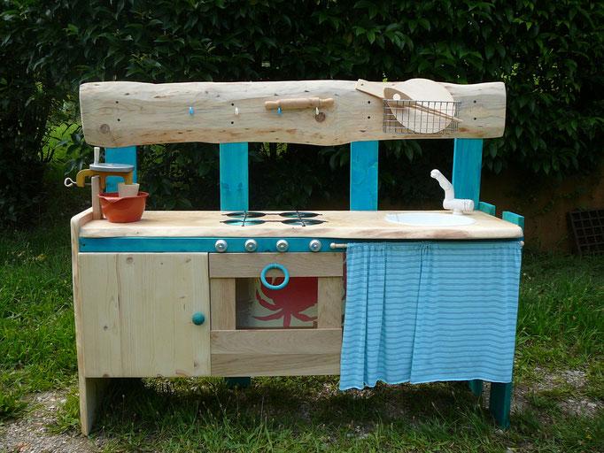 Cucina bambini con acqua corrente