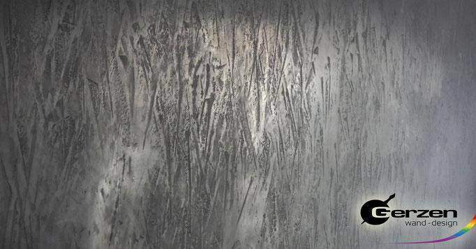 Plastischer Dekorputz mit Versilberungseffekt von GERZEN wand-design
