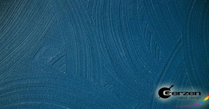 Streichputz in kräftigem Blau GERZEN wand-design