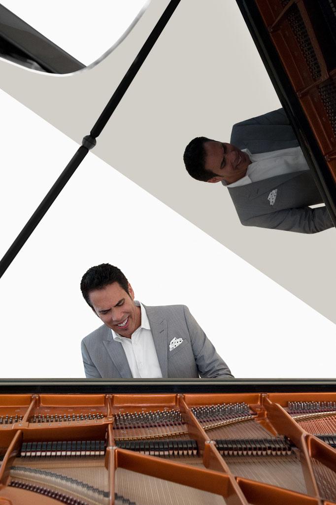 Freddie Ravel, Pianist | Freddie's Home in Woodland Hills, CA | 2015