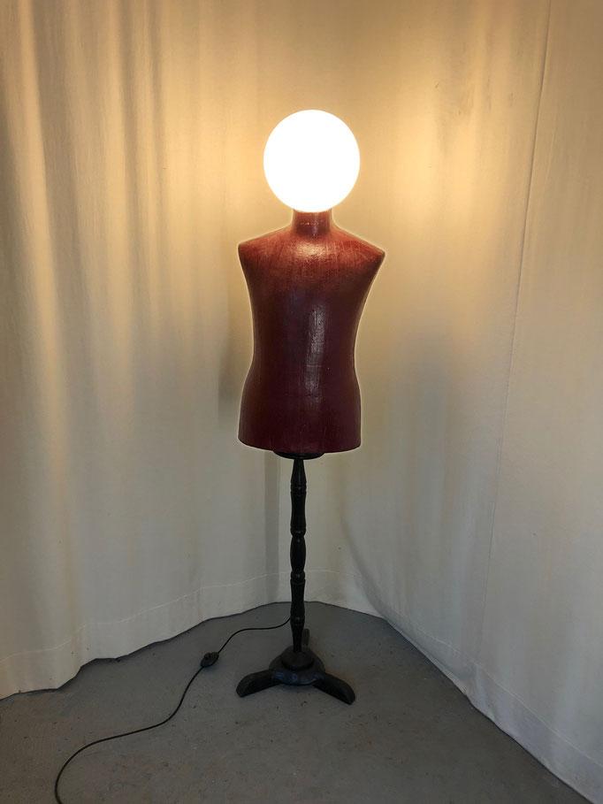 Lichtobjekt Lampe, Kleiderpuppe, Skulptur, Möbel, Licht, Wolfgang Wallner, Hall in Tirol