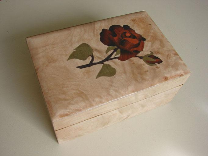Boite à la rose  - marqueterie - Atelier Eclats de Bois - 38 isère