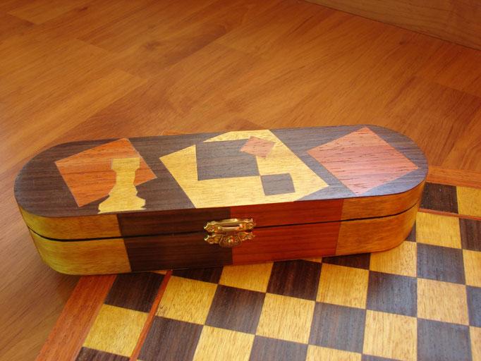 Boite d'échecs  - marqueterie - Atelier Eclats de Bois - 38 isère