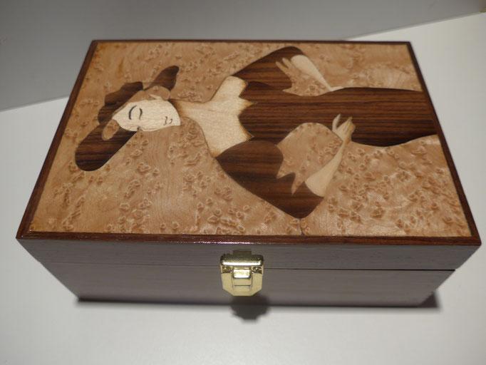 Boite élégante  - marqueterie - Atelier Eclats de Bois - 38 isère