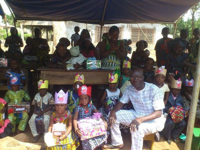 Weihnachtsfeier der Schule Pergame Plus in Bénin 2015 (© Pergame Plus)