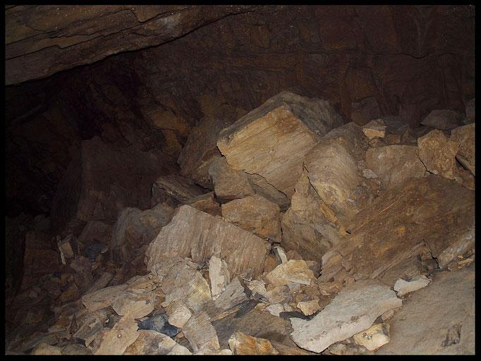 Buco dell'Alabastro: galleria discendente