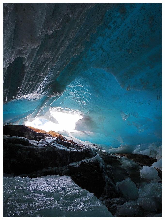 Ghiacciaio del Basòdino: la cavità di contatto a 2880 m