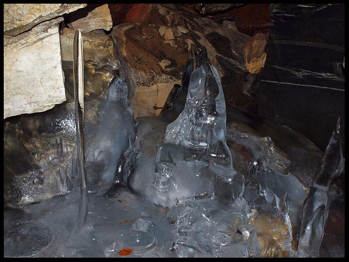 La Frigna (Monti di Rima): formazioni di ghiaccio