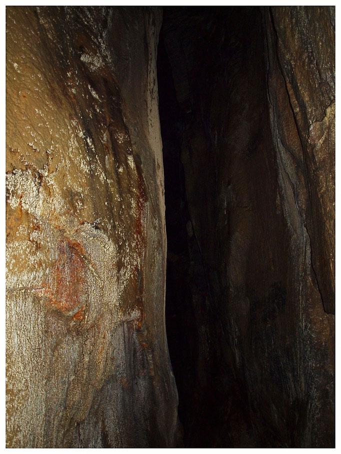 Grotta delle Ossa del Cervo: galleria sul fondo