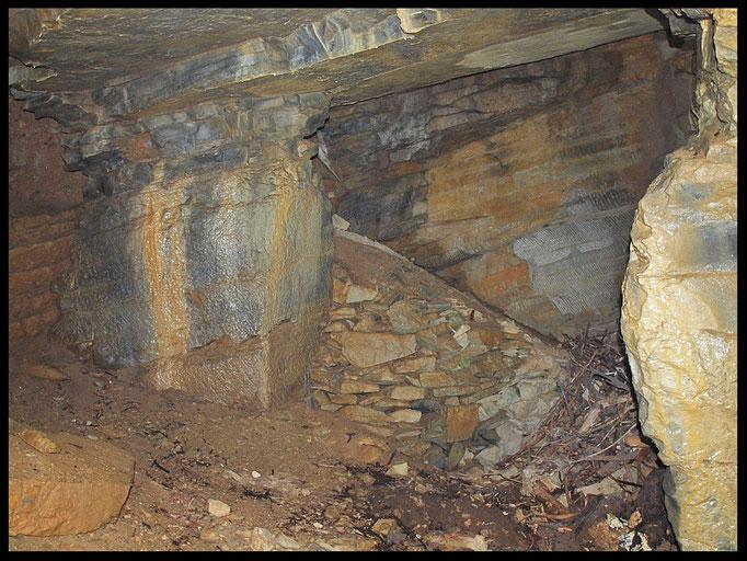 Grotta della Cava Caverzasio: la vecchia cava
