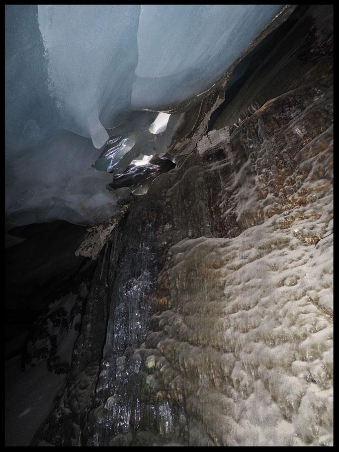 Grotta Glaciale Vadrecc di Sorda: cavità di contatto
