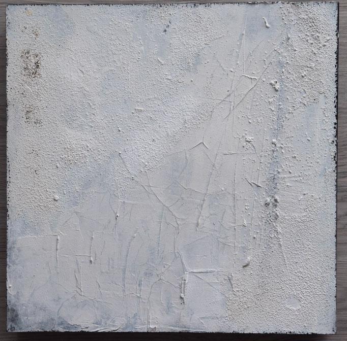 White 3, 2019, 30x30, Mischtechnik auf Holzkörper