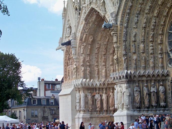 La cathédrale et la finesse des statues