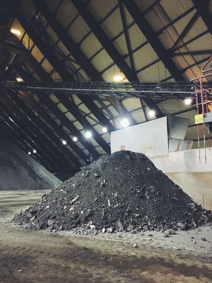 (Foto: Zero Waste Plant Power) Schlacke aus der Müllverbrennungsanlage