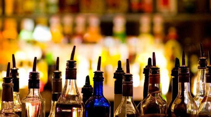 Trendige Getränke mixen, der Anspruch für jeden guten Barkeeper