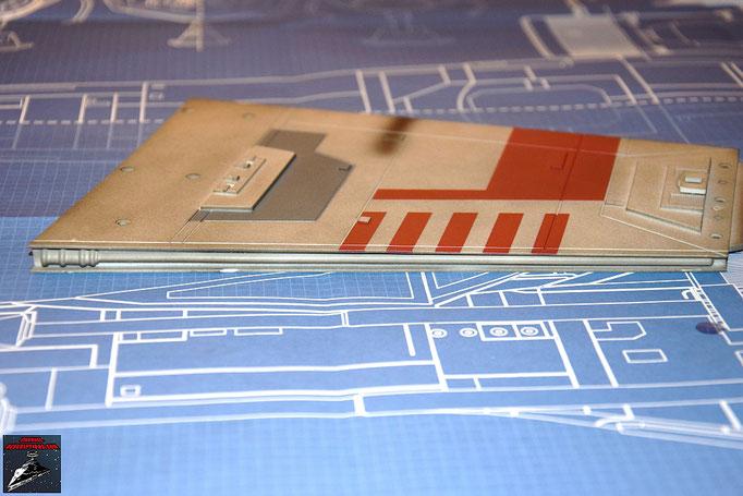 DeAgostini Bau deinen X-Wing Ausgabe 7 Das Detail  wird an der äußeren Kante des oberen Steuerbordflügels befestigt
