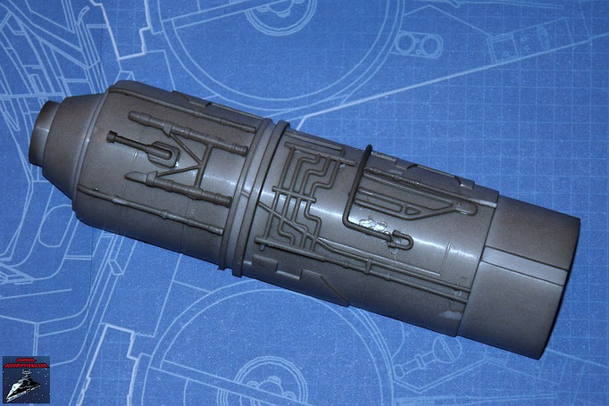 DeAgostini Bau deinen X-Wing Ausgabe 11 Die neun Anbaudetails werden an der Außenseite der oberen Hälfte des Fusionstriebwerkgehäuses befestigt