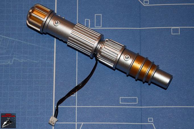 DeAgostini Bau deinen X-Wing Ausgabe 2 Die LED wird in das vordere Endstück der Laserkanone geklebt und die anderen Teile zusammengesetzt