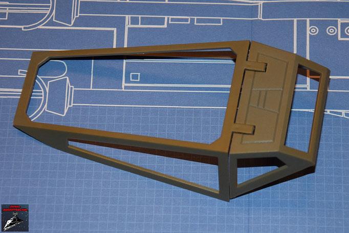 DeAgostini Bau deinen X-Wing Ausgabe 1 Die beiden Cockpithauben werden zusammengesteckt