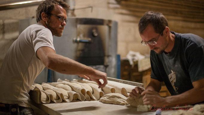 """Façonnage des pains complets et semi-complets, Ferme du petit baron """"Videau"""" Baron; jeudi 24 septembre 2015"""