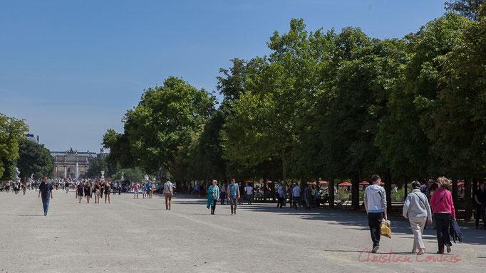 Allée centrale vers le Carrousel du Louvre, Jardin des Tuileries, Paris 1er