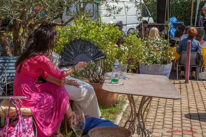 En terrasse du bar de l'ancienne gare de Latresne. Festival JAZZ360. 11/06/2017
