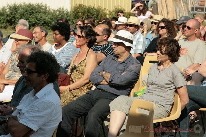 Le soleil, bien présent, s'en plaidrait-on ? Festival JAZZ360 2011, château du Garde, Cénac. 05/06/2011
