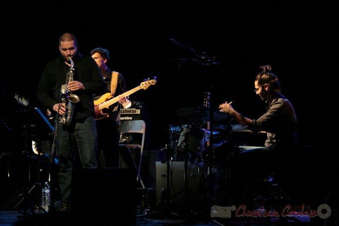 Denis Guivarc'h, Benoît Lugué, Vincent Sauve; Fada. Festival JAZZ 2010, Cénac. 14/05/2010
