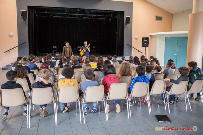 Cadijo raconte le blues en histoires et chansons aux élèves CM1 & CM2 du Tourne et de Cénac. Festival JAZZ360. 05/06/2018