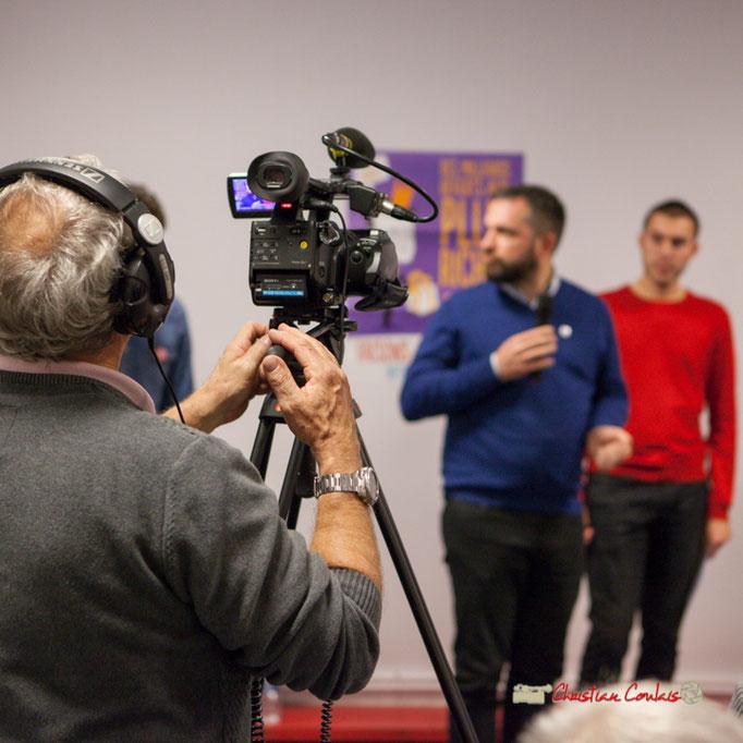 Cette soirée est bien entendu filmée par Yves Descubes. Comité d'appui la France insoumise aux élections européennes, Bordeaux. 22/11/2018