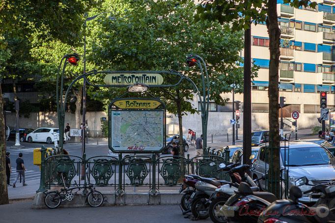 Arrêt Botzaris, Rue Botzaris, Paris 19ème arrondissement
